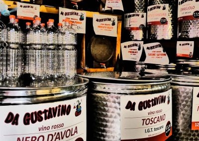 Roman-Market-3-Enni-Table